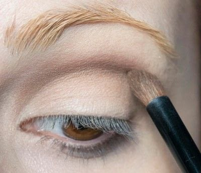 How to create a pin-up makeup look. Pin Up Look With Kat Von D.  - Step 4
