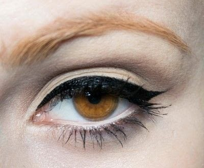 How to create a pin-up makeup look. Pin Up Look With Kat Von D.  - Step 6