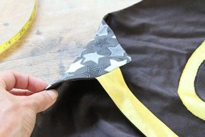 How to make a cape / cloak. Diy Superhero Cape - Step 6