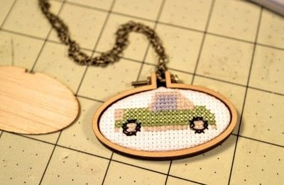 How to make a stitched necklace. Cross Stitch Figaro Necklace - Step 5