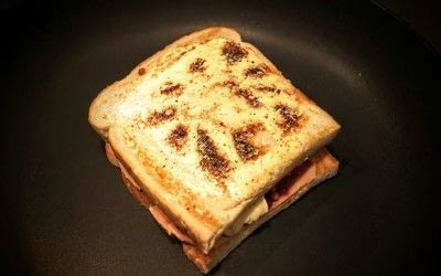 How to cook a grilled cheese sandwich. Grilled Briesus - Step 4