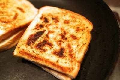 How to cook a grilled cheese sandwich. Grilled Briesus - Step 5