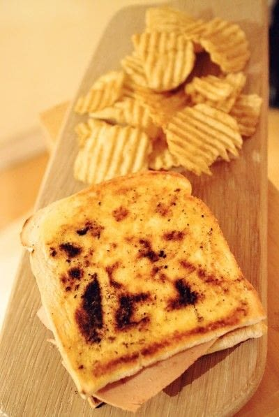 How to cook a grilled cheese sandwich. Grilled Briesus - Step 6