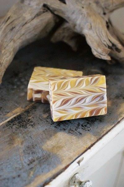 How to make soap. Lemon Linear Swirls - Step 12