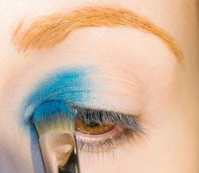 How to create a smokey eye. Depths Of The Sea - Step 2