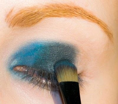 How to create a smokey eye. Depths Of The Sea - Step 3