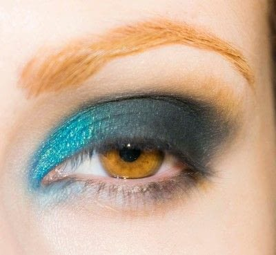How to create a smokey eye. Depths Of The Sea - Step 6