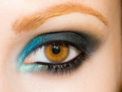 How to create a smokey eye. Depths Of The Sea - Step 8