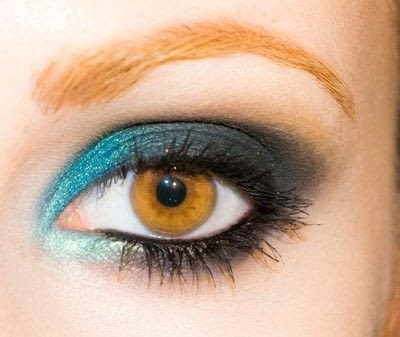 How to create a smokey eye. Depths Of The Sea - Step 9