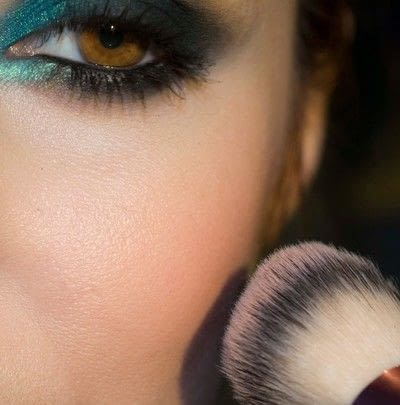 How to create a smokey eye. Depths Of The Sea - Step 10