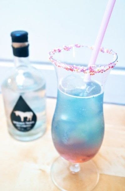 How to mix a gin cocktail. Unicorn Sunrise - Step 5