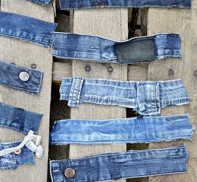 How to make a wall tidy storage unit. Upcycled Denim Pocket Organiser - Step 4