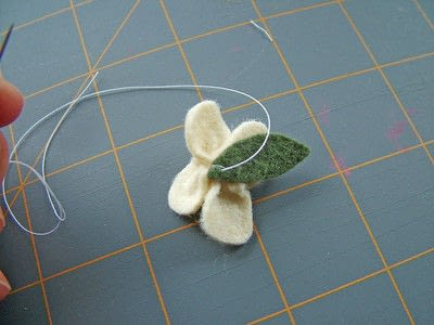 How to sew a fabric flower charm. Small Felt Flowers - Step 7