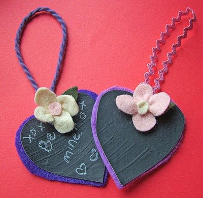 How to sew a fabric flower charm. Small Felt Flowers - Step 9