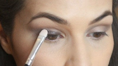 How to create a smokey eye. Jennifer Lawrence Makeover Part 1 - Step 6