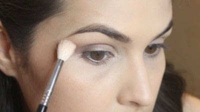 How to create a smokey eye. Jennifer Lawrence Makeover Part 2 - Step 5