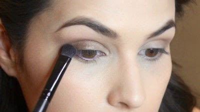 How to create a smokey eye. Jennifer Lawrence Makeover Part 2 - Step 7