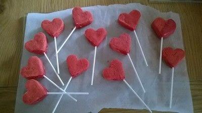 How to bake cake pops. Valentines Heart Cake Pops - Step 5