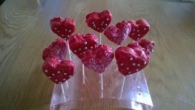 How to bake cake pops. Valentines Heart Cake Pops - Step 7
