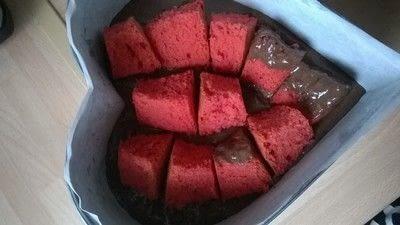 How to bake a chocolate cake. Valentines Cake - Step 5