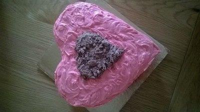 How to bake a chocolate cake. Valentines Cake - Step 11