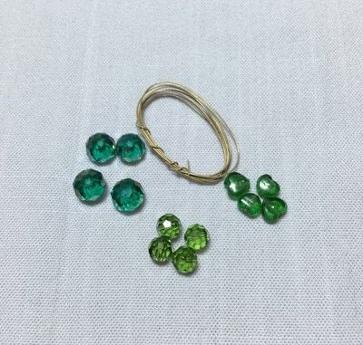 How to make a charms. Clover Charm - Step 2
