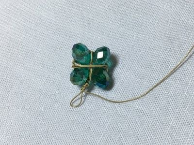 How to make a charms. Clover Charm - Step 4