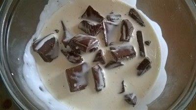How to bake a mousse cake. Triple Chocolate Cake - Step 8