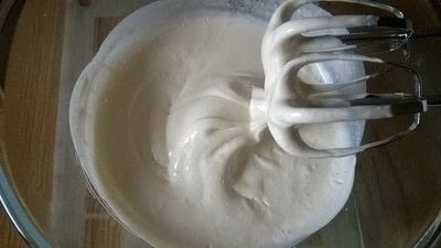 How to bake a mousse cake. Triple Chocolate Cake - Step 10