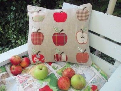 How to sew an applique cushion. Appley Dappley Cushion Cover - Step 3