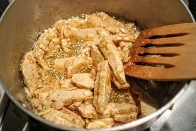 How to cook a pasta Alfredo dish. Quorn Pasta Alfredo - Step 2