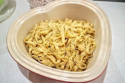 How to cook a pasta Alfredo dish. Quorn Pasta Alfredo - Step 5
