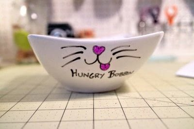 How to make a pet accessory. Cattitude Pet Bowl - Step 6