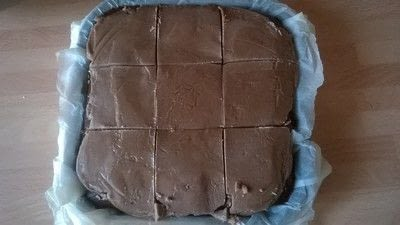 How to bake a date slice. Chocolate Date Squares - Step 10