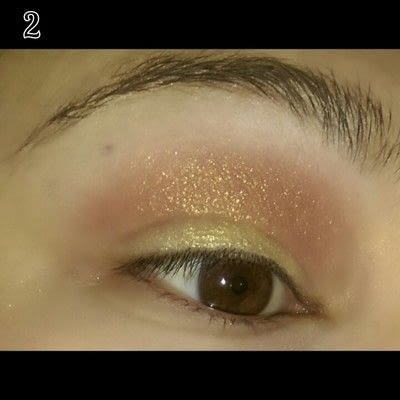 How to create a sunburst eye. Sunset Eye Makeup Look - Step 2