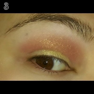 How to create a sunburst eye. Sunset Eye Makeup Look - Step 3