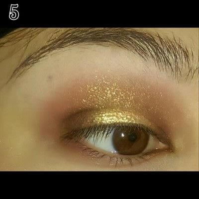 How to create a sunburst eye. Sunset Eye Makeup Look - Step 5