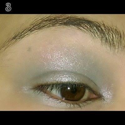 How to create a bold eyeliner look. Sweet doll eyes Makeup look - Step 3
