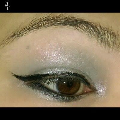 How to create a bold eyeliner look. Sweet doll eyes Makeup look - Step 4