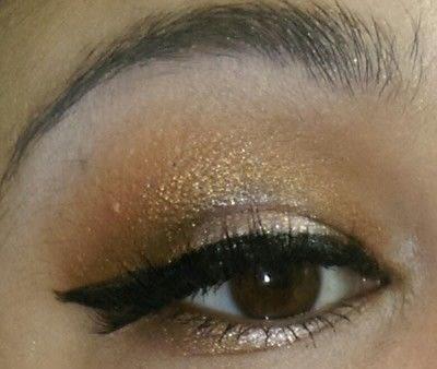 How to create a smokey eye. Neutral Brown Smokey Eye - Step 7