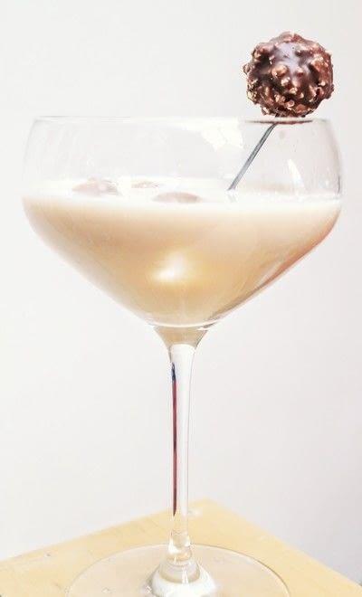 How to mix a martini. Ferrero Martini - Step 4