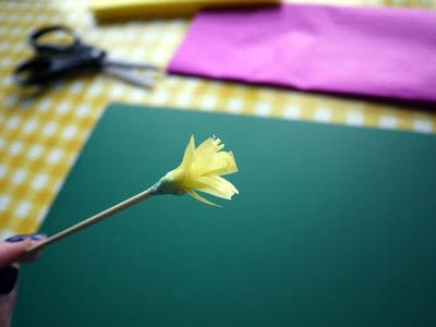 How to make a paper flower. Tissue Paper Flowers - Step 8