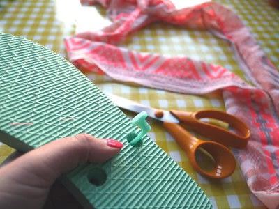 How to make a sandal / flip flop. Repurposed Scarf Flip Flops - Step 3