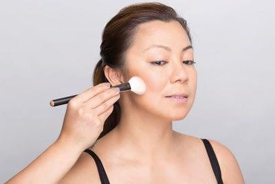 How to create a dramatic eye makeup look. Dramatic Evening Makeup - Step 4
