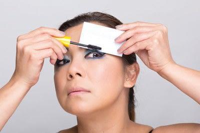 How to create a dramatic eye makeup look. Dramatic Evening Makeup - Step 11