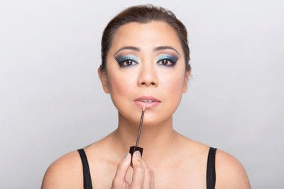 How to create a dramatic eye makeup look. Dramatic Evening Makeup - Step 13
