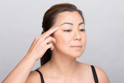 How to create a dramatic eye makeup look. Dramatic Evening Makeup - Step 14