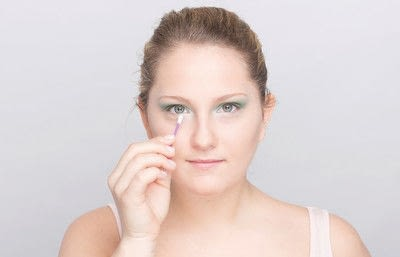 How to create a glitter eye. Youthful Glitter Makeup - Step 6