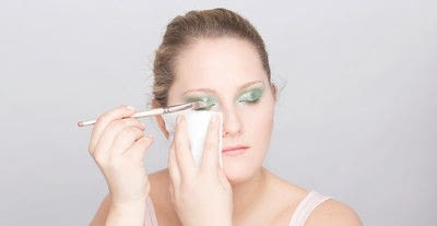 How to create a glitter eye. Youthful Glitter Makeup - Step 9