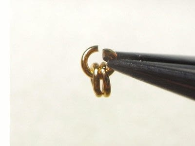 How to make a wire beaded bracelet. Citrine Zig Zag Bracelet - Step 9